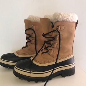 NWOT Sorel Caribu Boot - size 7.5